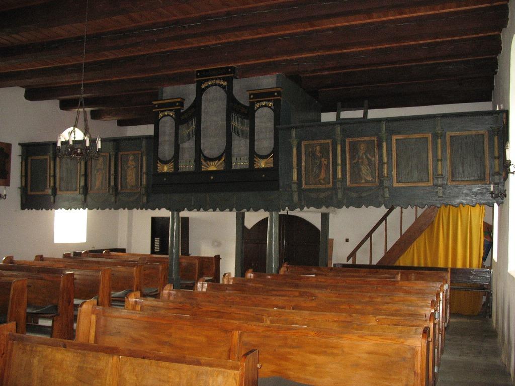 Wnętrze kościoła wPietrzykowie